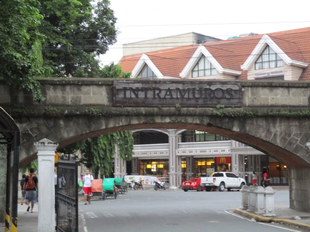Not too long before I reached the gates of Intramuros. A beautiful entrance! Isn't it?
